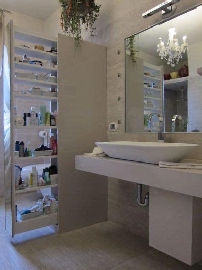 bagno  colonna estraibile arredo bagno falegnameria