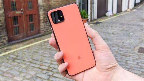 hands  pixel  review googles  phone focuses