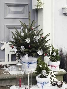 Weihnachtsdeko Vor Haustür : weihnachtsdeko f r au en vor der t r festlich dekorieren weihnachten weihnachten ~ Frokenaadalensverden.com Haus und Dekorationen