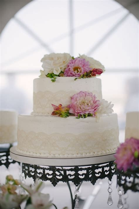shabby chic wedding cake ideas shabby chic wedding cake wedding cake photos