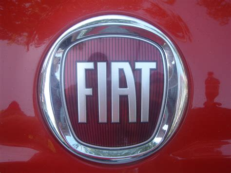 Fiat Meaning In Italian by Fiat Logo Fiat Car Symbol Meaning And History Car Brand