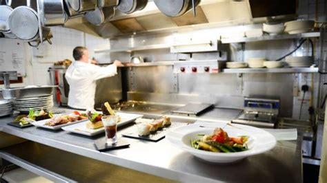 poste chef de cuisine restaurant hôtel de la poste à le mêle sur sarthe 61170
