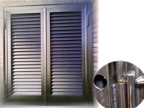 persiane in plastica prezzi produzione vendita e posa in opera di persiane alluminio