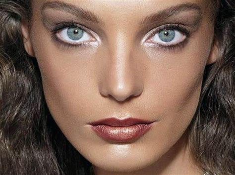 bigger eyes   white eyeliners   bottom lash lines pretty designs