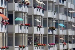 sonnenschirm fur balkongelander darauf sollten sie achten With französischer balkon mit sonnenschirm icon