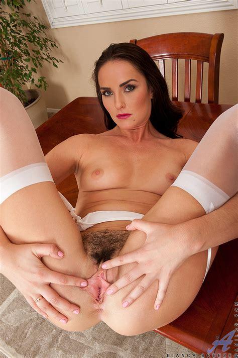 Pretty MILF Bianca Breeze Rub Her Tits MILF Fox