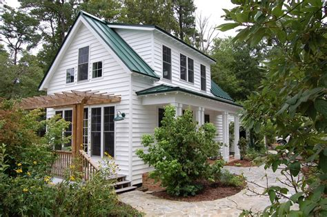 "This Traditional ""katrina Cottage"" Design Has 3 Bedrooms"