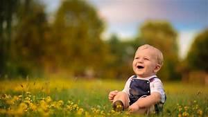 baby boy laughing HD Wallpaper #9434