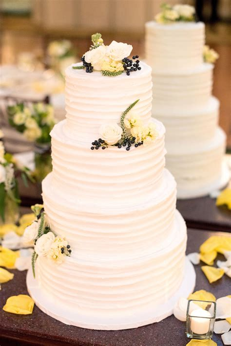 tier white buttercream wedding cake