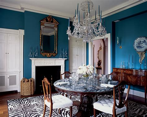 glamour dining room  galss dining table  chic