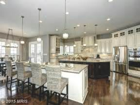 Kitchens With Two Islands Spacious Kitchen With Two Islands Kitchens Kitchendesigns Homechanneltv Kitchen Designs