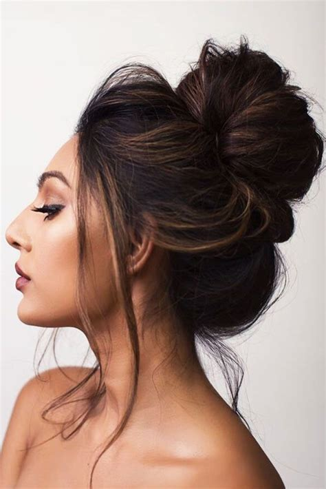 15 creative bun hairstyles to go well with your mood