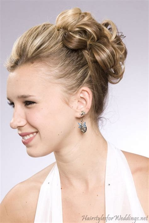 bridesmaid hairstyles for medium length hair