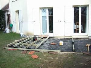 Pose Terrasse Bois Sur Terre : terrasse bois composite fiberon directement sur pelouse ~ Melissatoandfro.com Idées de Décoration