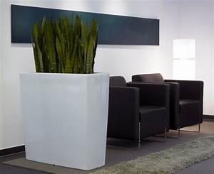 Große Pflanzkübel Für Draußen : pflanzk bel wei hochglanz hergstellt aus kunststoff ~ Whattoseeinmadrid.com Haus und Dekorationen