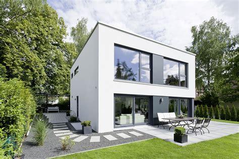 Fertighaeuser Im Bauhaus Stil by Luxushaus Gr 252 Nwald Ein Fertighaus Gussek Haus