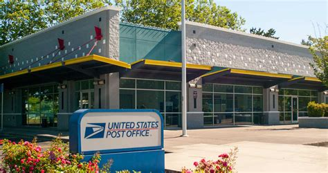 United States Post Office  Eastport Plaza
