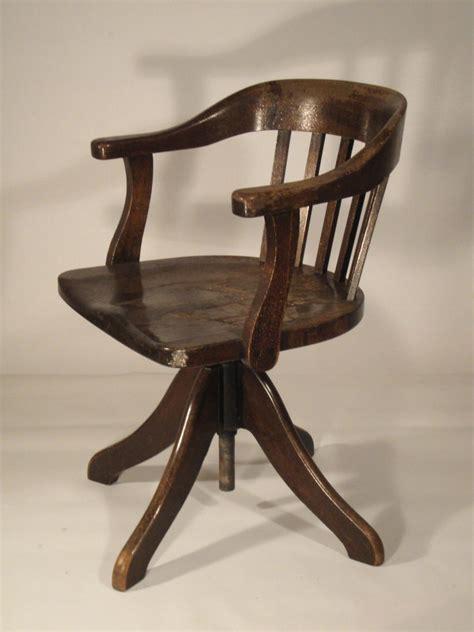 chaise de bureau ancienne en bois madame ki