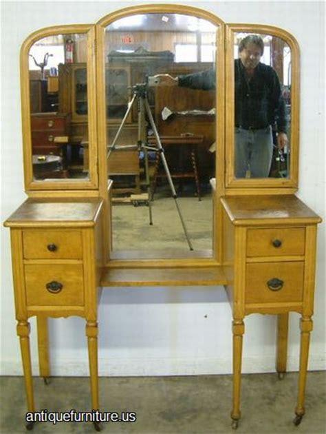 antique birdseye maple vanity  antique furnitureus