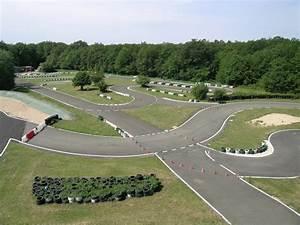 Piste De Karting : dreux piste de karting photo de circuits stages de pilotage porsche ferrari lamborghini ~ Medecine-chirurgie-esthetiques.com Avis de Voitures
