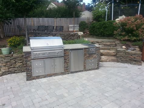 Interesting Small Outdoor Kitchen  Home Design #1003
