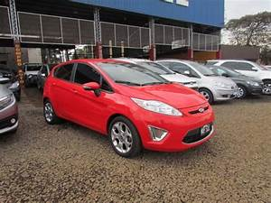 Ford Fiesta Kinetic Titanium Rojo 2013 En Masautos