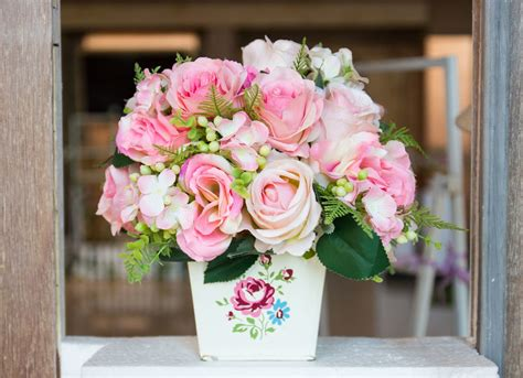 How To Care For Fresh Flowers?