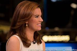 kelly evans secretly married as a tweet reveals she has a With kelly evans wedding ring