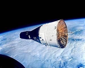 File:Gemini 6 7.jpg - Wikimedia Commons