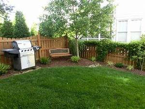 Simple small yard landscaping without the grill yard for Simple and easy backyard privacy ideas