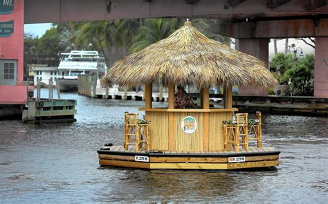 Luxury Pontoon Boats Newport Beach by Tiki Hut Boat Makes Waves In Fort Lauderdale Video Sun
