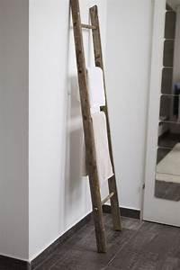 Handtuchhalter Fürs Bad : deko im badezimmer update badezimmer b der und leiter ~ Whattoseeinmadrid.com Haus und Dekorationen