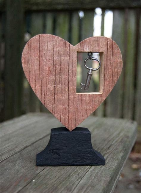 reclaimed wood heart red  dangled key decoration