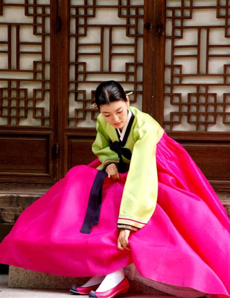colorful history  hanbok   years
