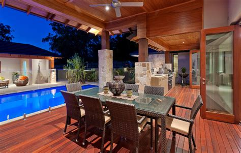 cook   perfect outdoor kitchen