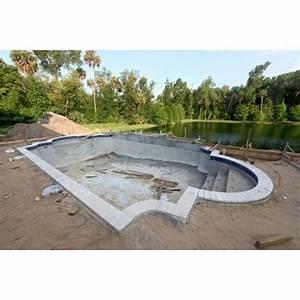 une piscine en beton integral beton coule et beton With piscine en beton projete