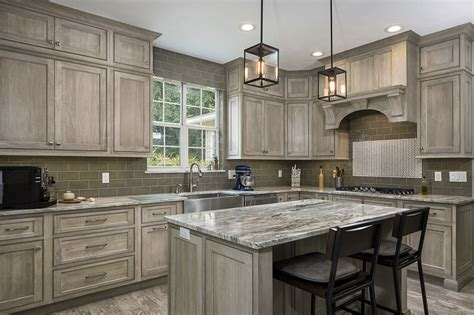 poplar wood kitchen cabinets shiloh cabinetry swingle countertops 4312