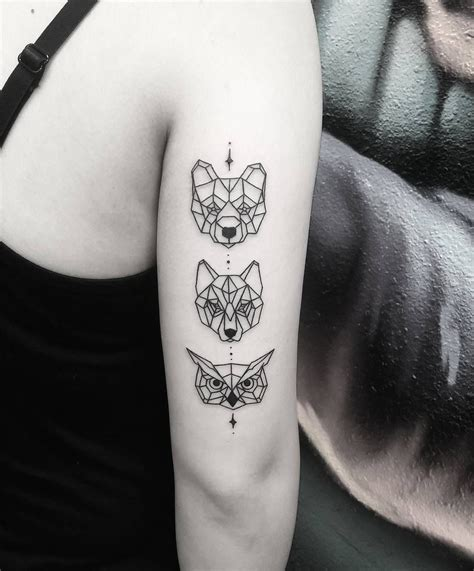 geometric with and wolf
