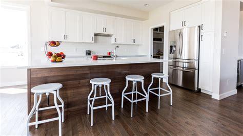 plancher bois cuisine choisir le meilleur plancher de bois pour votre cuisine