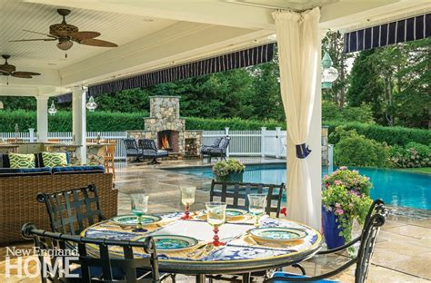 An Outdoor Entertaining Area On The Bay