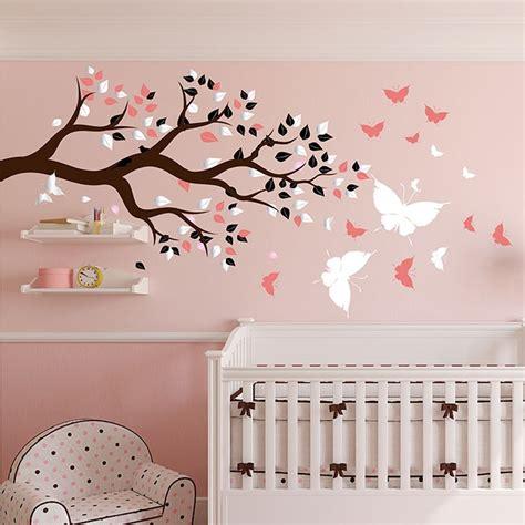 stickers papillon chambre bebe stickers chambre bébé arbre et papillons pour du bonheur