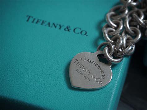 How To Spot Counterfeit Fake Tiffany & Co Jewellery Sea Glass Jewelry Laguna Beach Hawaii Shop Elena In Newport Ri Ivory Jewellery Near Me Makers Close To