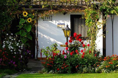 Der Bienenfreundliche Garten by Bienenfreundliche Kommune Bad Schwartau Setzt Zeichen F 252 R
