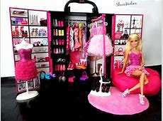 Barbie's Closet I love organize clothes and shoes on my