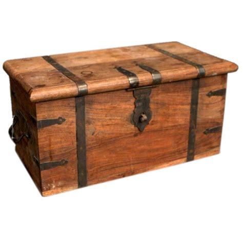 hope chest ideas  pinterest toy chest rogue build  toy box plans