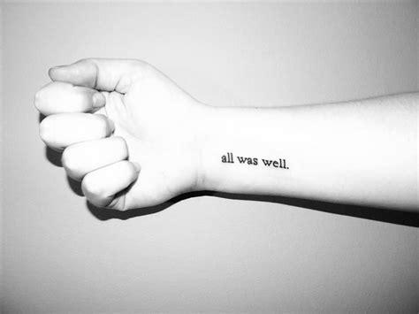 los tatuajes de nombres pequenos