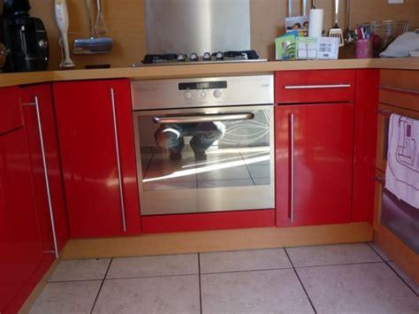 peintre meuble cuisine repeindre porte cuisine diy relooker un meuble abim
