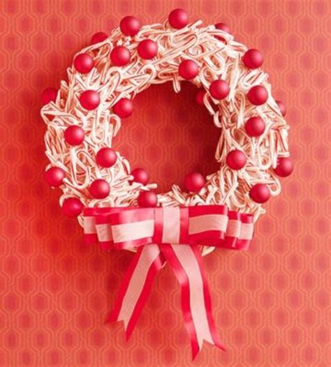 decorating with canes for christmas 25 fun candy cane christmas d 233 cor ideas for your home