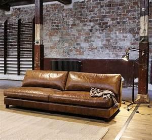 13 idees deco de canape en cuir marron With canapé convertible cuir avec tapis salon maison du monde