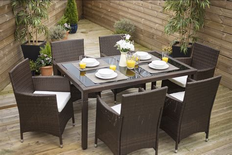 7 Piece Dining Table Set With 6 Cube Chairs In Brown